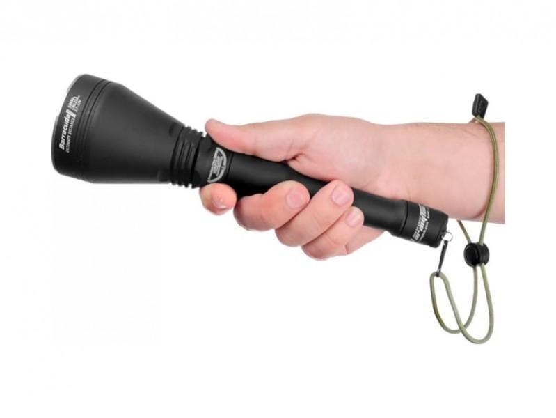 фото Поисковый фонарь Armytek Barracuda Pro XHP35 HI F03302SW Теплый свет